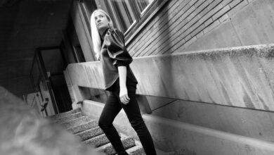 """Photo of Senka Hodžić za Radio Olovo o autorskoj pjesmi i spotu """"Time"""" pod okriljem Muzičke produkcije BHRT-a"""
