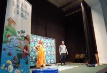 """Photo of Pozorišna predstava """"Bajka o ribaru i ribici"""" uljepšala veče mališanima u Olovu"""