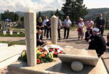 Photo of U ZENICI OBILJEŽENA 13. GODIŠNJICA SMRTI PREMIJERA AHMETA HADŽIPAŠIĆA